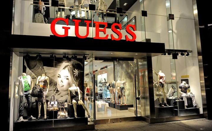 Guess-Queen-St-West-window-display-Toronto-04